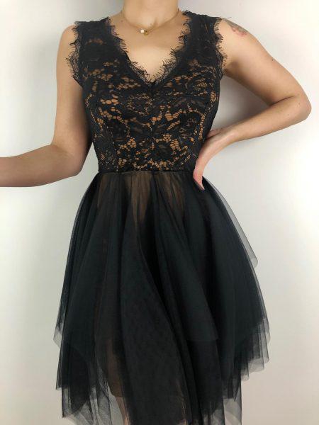 φόρεμα δαντέλα με φόδρα και τούλι